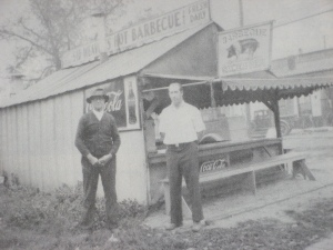Sid Weaver early BBQ pioneer on left
